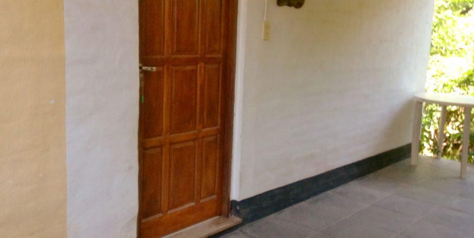 Puerta entrada cab Jasmin